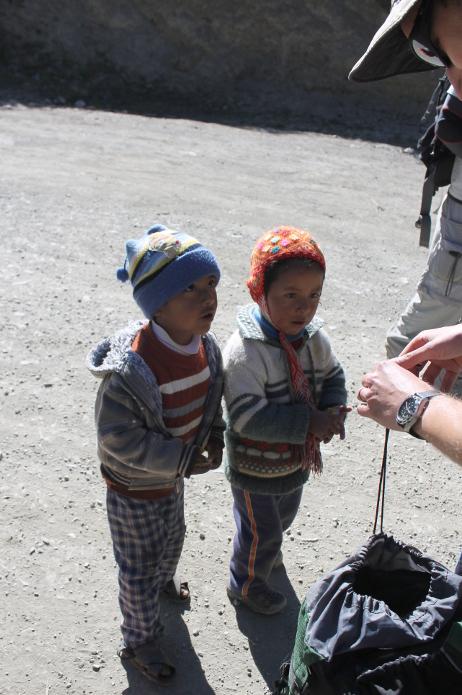 warum tragen peruaner hüte
